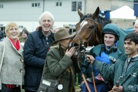 Deux Etoiles wins after 689 days off the track